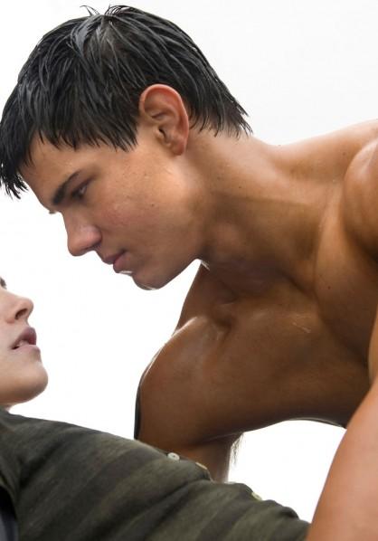 Twilight New Moon - Taylor Lautner and Kristen Stewart