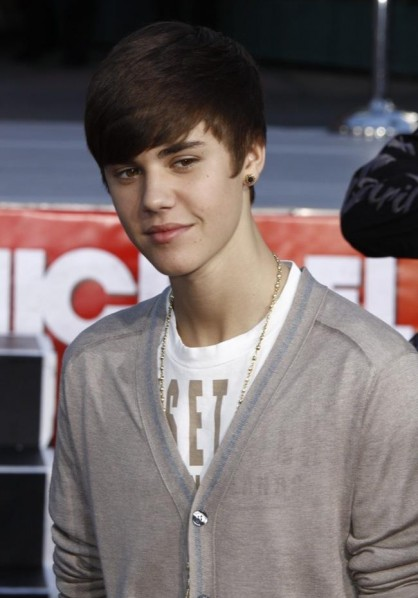 Justin Bieber - Bang Showbiz - April 2012