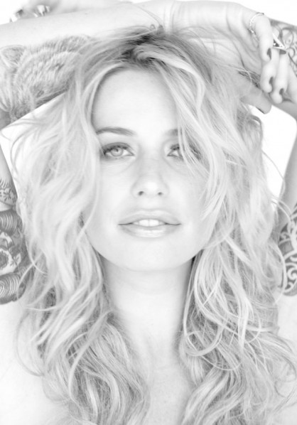 Gin Wigmore - press shot