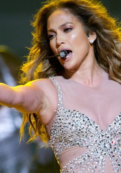 Jennifer Lopez live in London