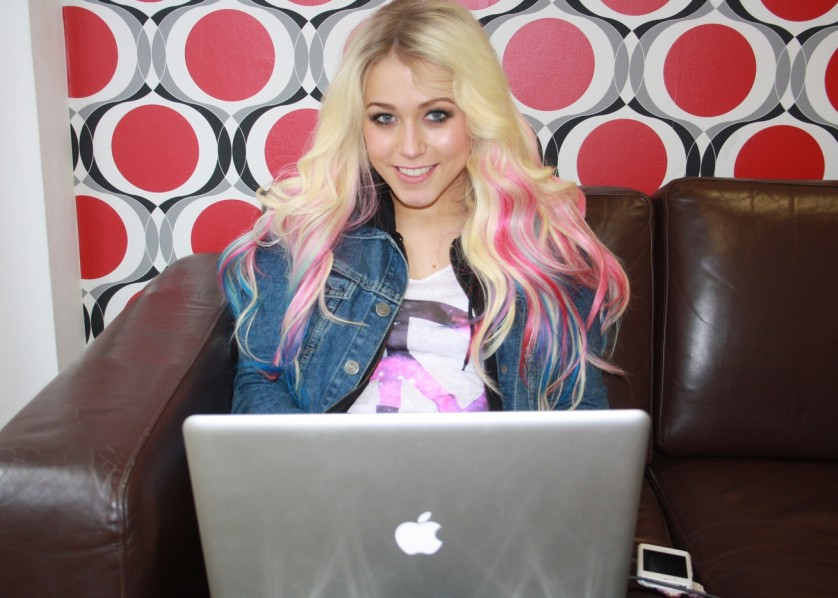 Amelia Lily Twitter Takeover