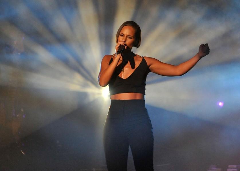 Alicia Keys performing at iTunes Festival 2012